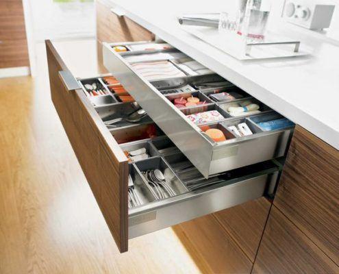 Висувні шухляди для посуду