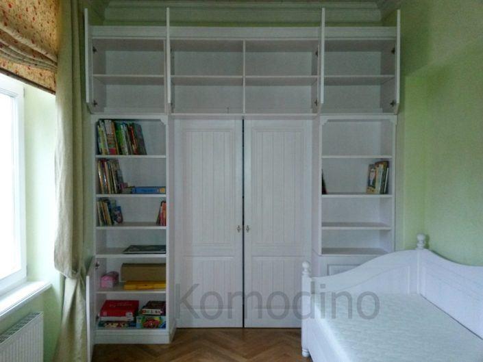 Маленькі гардеробні кімнати в диятчу