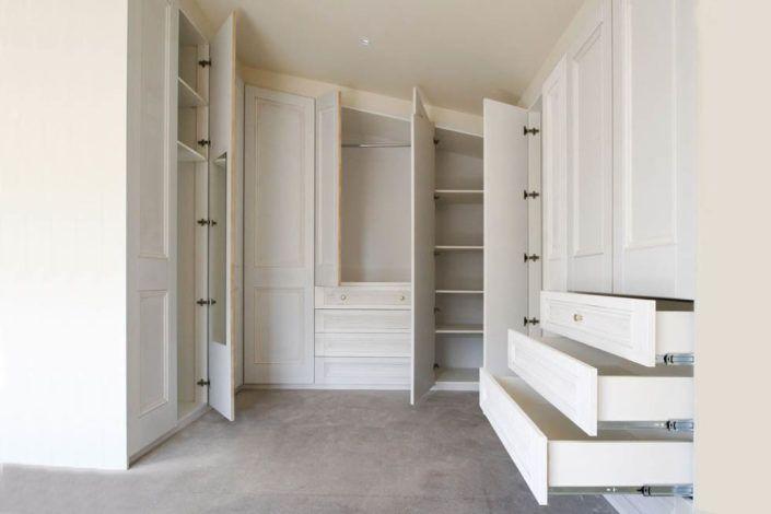 Гардеробні шафи для спальні