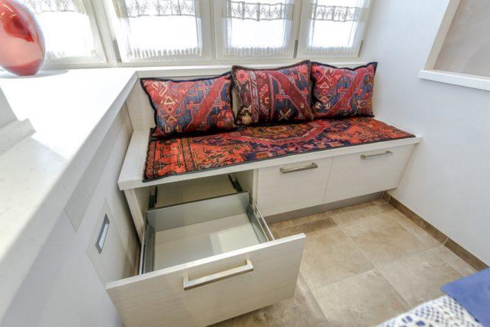 Узкие скамейки для кухни