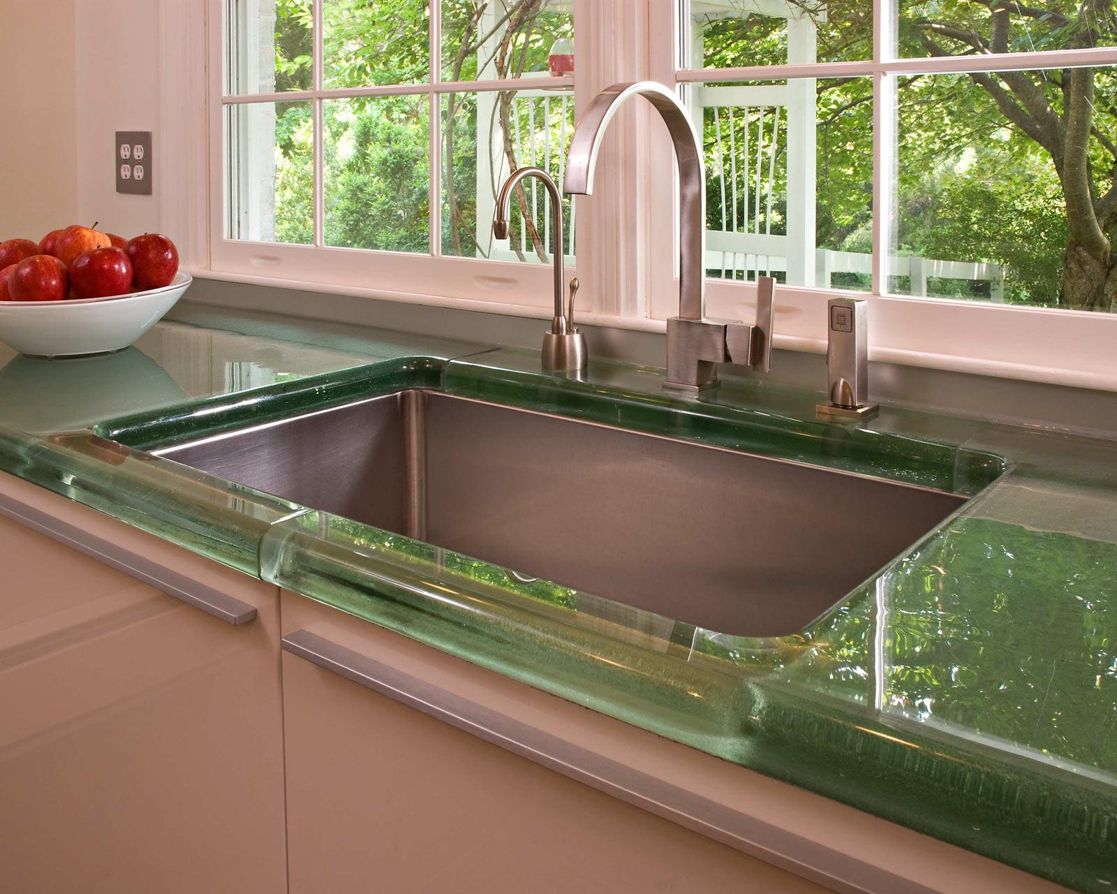 Скляна стільниця на кухню