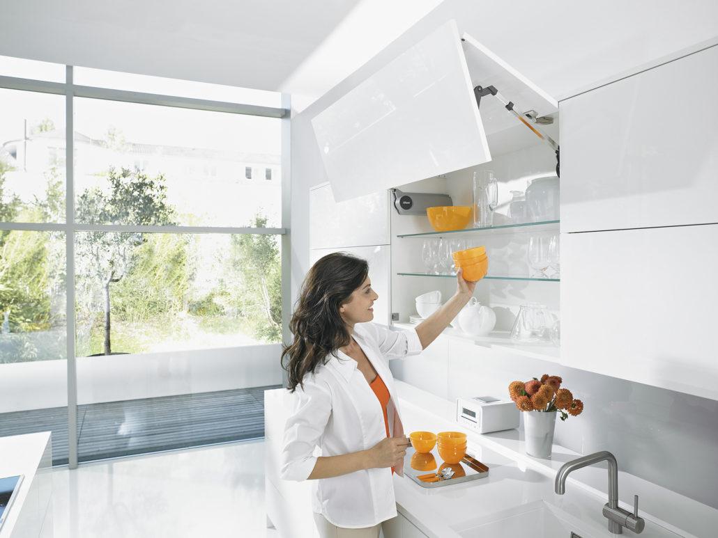 Aventos HF для кухні