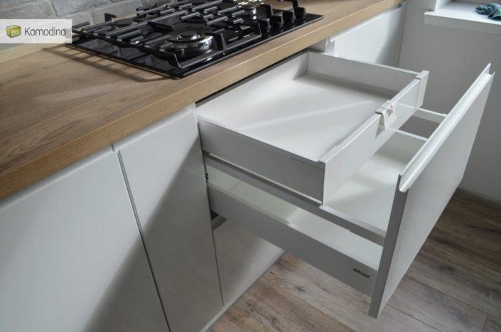 МДФ глянцева кухня біла